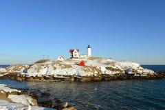 海角Neddick灯塔,老约克村庄,缅因 库存图片