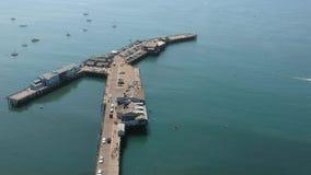 海豚喷泉和斯第恩斯码头圣芭卜拉加利福尼亚1 股票视频