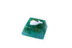 以海豚的形式手工制造肥皂 背景查出的白色 免版税库存图片
