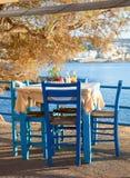 海边咖啡馆大阳台 免版税图库摄影