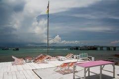 海边大阳台 免版税库存照片