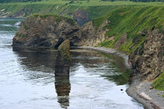 海边择捉岛。千岛群岛。 库存照片