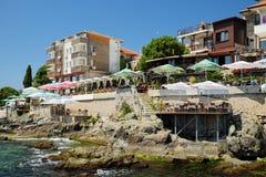 海边旅馆和餐馆在索佐波尔,保加利亚老镇  免版税图库摄影