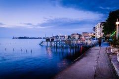 海边露天餐馆 免版税图库摄影