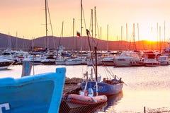海边风景-日落视图在索佐波尔港口镇  免版税库存图片