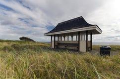 海边风雨棚 免版税库存图片