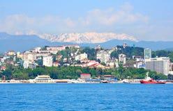 海运和山都市风景 库存图片