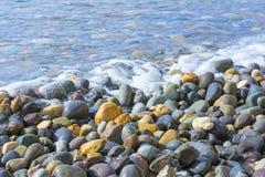 海运小的石头 库存图片