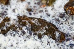 海运泡沫-石头 免版税库存照片