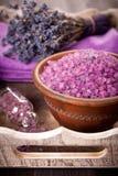 海运盐和淡紫色温泉 免版税库存照片