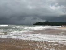 海遇见天空和沙子 免版税库存照片
