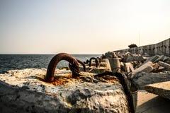 海防堤在黑海 免版税库存照片