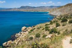 海陡峭的海岸2 免版税库存图片