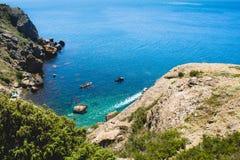 海陡峭的海岸 免版税库存照片