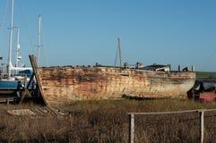 海难或非常老小船 库存图片