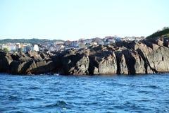 海风景。岩石。Sozopol,保加利亚。 免版税图库摄影