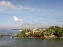 海风景看法反对天空的 免版税库存图片