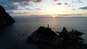 海飞行寄生虫鸟瞰图日落天空的 影视素材