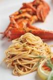 海鲜与新鲜的龙虾的面团扁面条 免版税库存照片