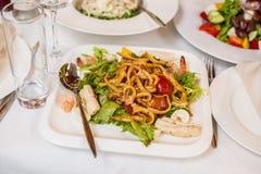 海鲜沙拉-虾,乌贼章鱼 免版税图库摄影