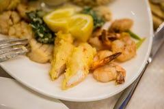 海鲜沙拉-虾,乌贼章鱼 库存图片