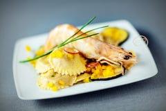 海鲜馄饨开胃菜用虾 免版税库存图片