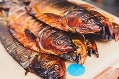 海鲜,鳟鱼鱼被烤在烤肉 库存图片