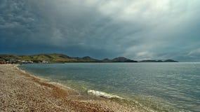 海,在雷暴的前夕 免版税库存照片