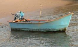 海,小船,微明 库存图片
