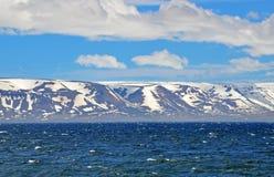 海,山,天空 库存图片