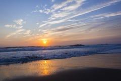 海滩上色海洋 免版税图库摄影