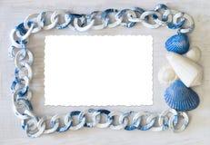 海洋与孤立卡片的框架白蓝色色谱 免版税图库摄影