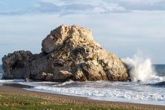 海击中的岩石 库存照片