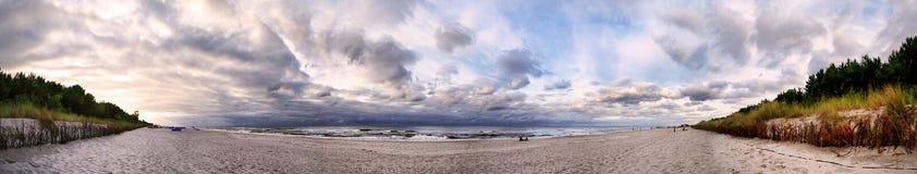 海滩全景在恶劣环境测井半岛的 免版税库存图片