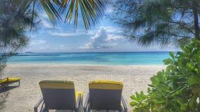 从海滩别墅马尔代夫的完善的看法 免版税库存图片
