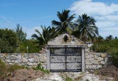 海滨别墅chelem墨西哥夏天前门墙壁建筑学 库存图片