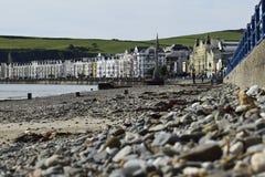 海滩前和散步 免版税库存照片