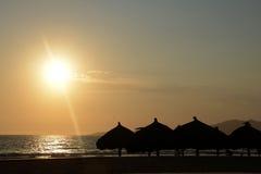 海滩剪影 库存图片