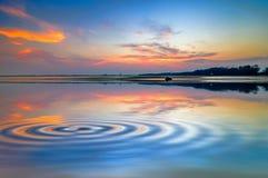 海滩反映天空 免版税库存照片
