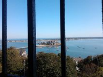 海洋和土地的风景看法 库存照片