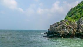 海滩和天空在Khanom靠岸, Nakornsrithammarat,泰国 库存图片
