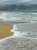 海滩和山在西班牙 库存照片