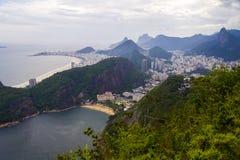 海滩和山,里约热内卢,巴西 免版税库存图片