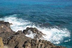 海洋和岩石在Diamondhead,檀香山, O ` hau,夏威夷附近 库存图片