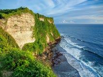 海洋和岩石,什么可以是更好的 图库摄影