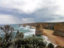海滩和峭壁 免版税库存照片