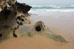 海洋和峭壁 免版税图库摄影
