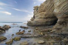 海洞和浅水区 免版税库存照片