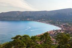 海滩和海湾在Krk海岛,克罗地亚 免版税库存图片