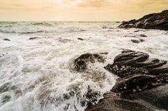 海滩和蓝色海运 免版税库存图片